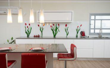 חיפוי זכוכית למטבח, זכוכית צבעונית למטבח, זכוכית מודפסת למטבח