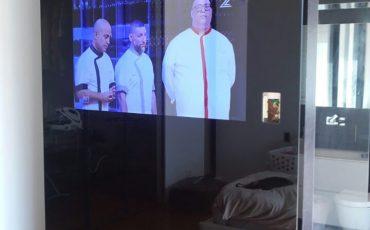 מג'יק מירור בחדר השינה, חיפוי קיר סלון, עיצוב קיר טלויזיה