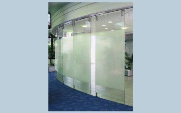 סגירת חזיץ בזכוכית שקופה וחלבית