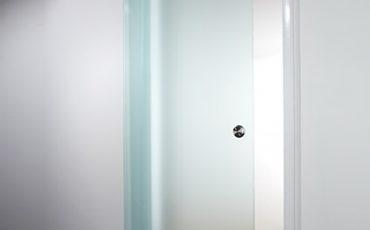 דלתות זכוכית, דלת הזזה מזכוכית