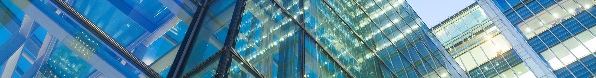 פתרונות זכוכית מתקדמים לעסקים - אחים פרץ ר.א.י