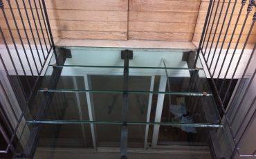 רצפת זכוכית